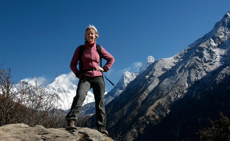clare-in-front-of-everest